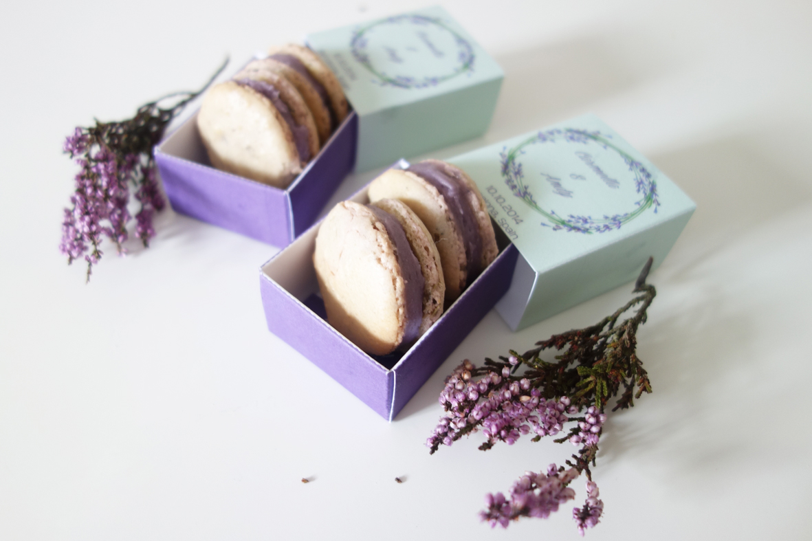 Download FREE Printable Favor Box Template: Macaroons Favor Box Template